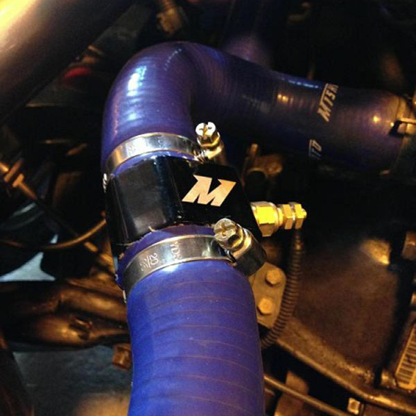 Mishimoto Water Temperature Sensor Adapter 28mm Black
